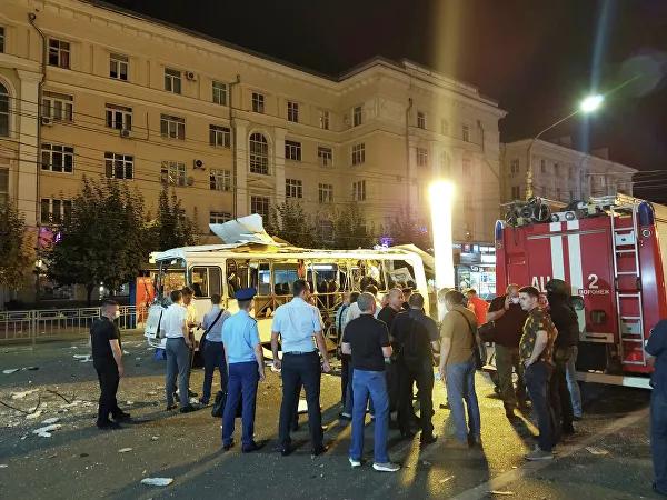 "Пассажирский автобус маршрута 10А взорвался у торгового центра ""Галерея Чижова"" вечером 12 августа."