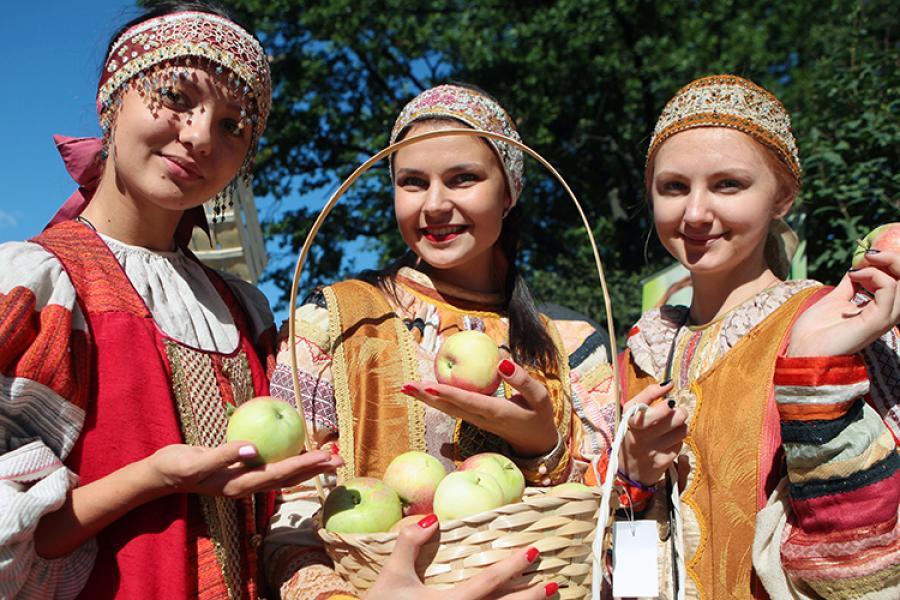 19 августа в России отмечается Яблочный спас – праздник, который традиционно символизирует переход от лета к осени и зиме