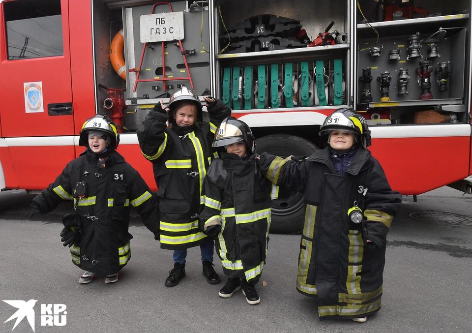 4 октября в России отмечается профессиональный праздник сотрудников МЧС